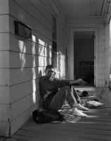 http://www.michaelmeyerphoto.com/files/gimgs/th-14_5_porch-portrait006.jpg
